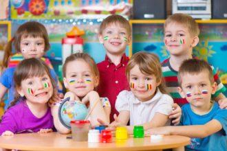 Dzieci na lekcji języka obcego