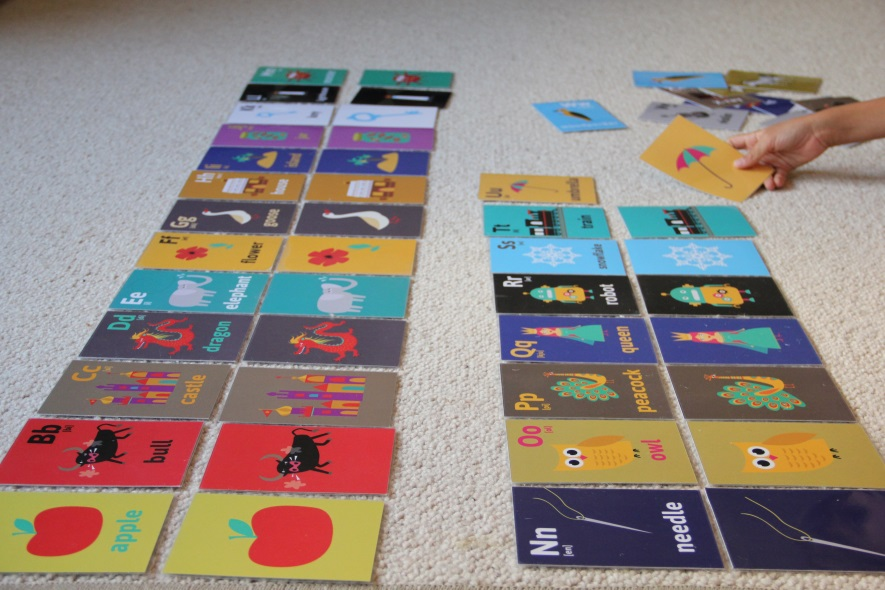 Alfabet angielski na kartach