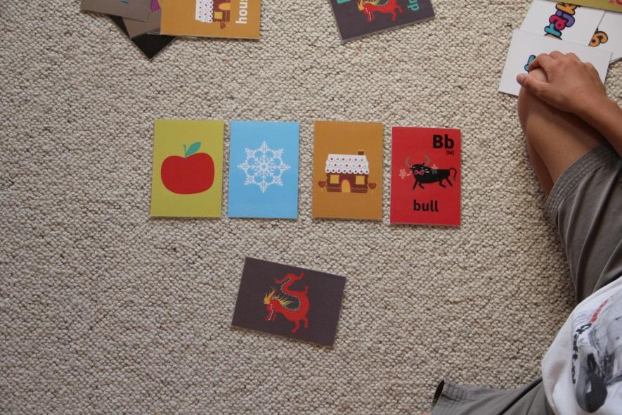 Alfabet po angielsku na kartach