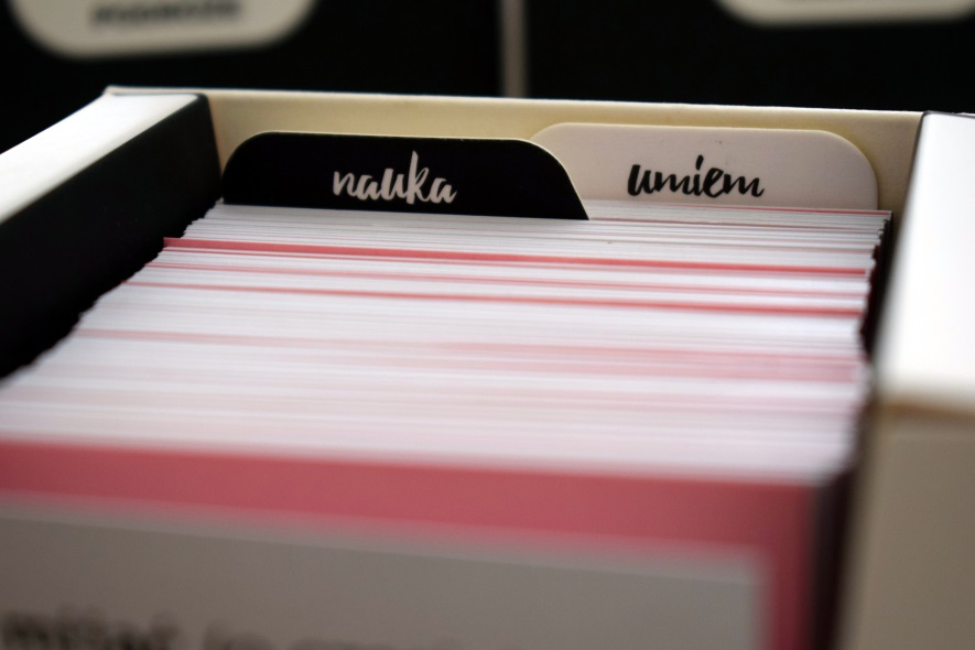 przekładki nauka i umiem w pudełki z fiszkami obrazkowymi do nauki angielskiego