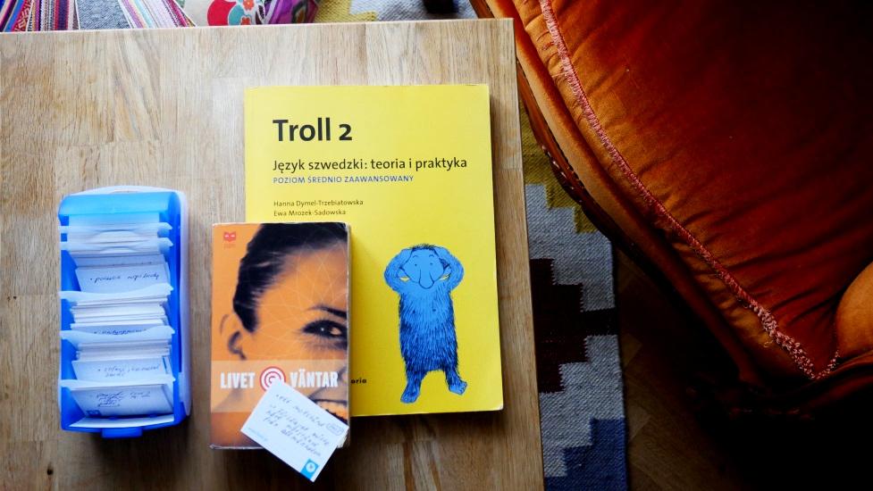 książki i fiszki do samodzielnej nauki szwedzkiego