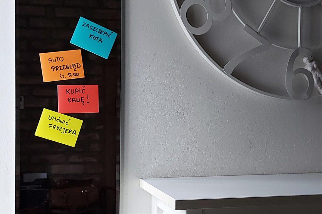 przyczepki elektrostatyczne karteczki na notatki na lustrze